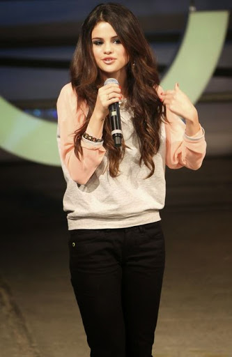 Selena Gomez Photos
