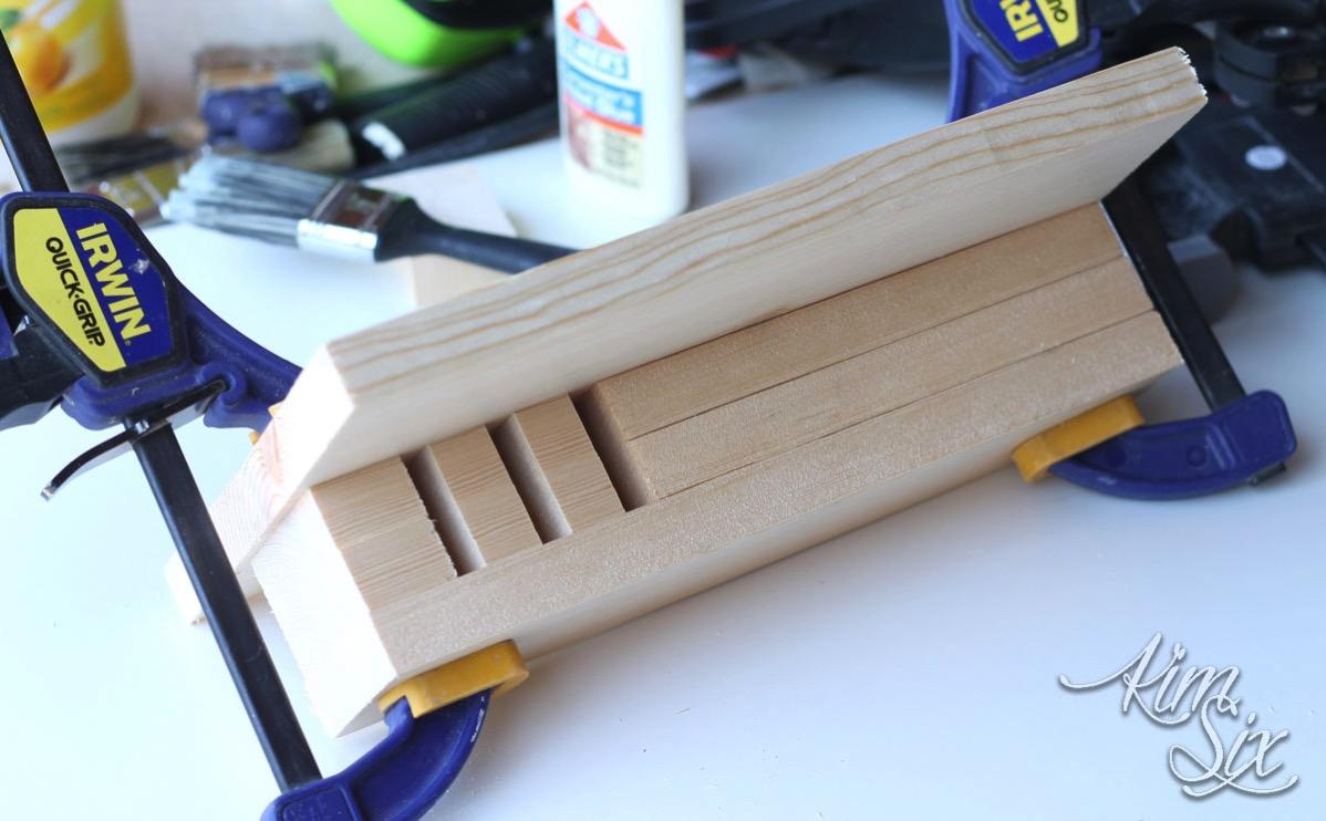 Clamping glued wood blocks