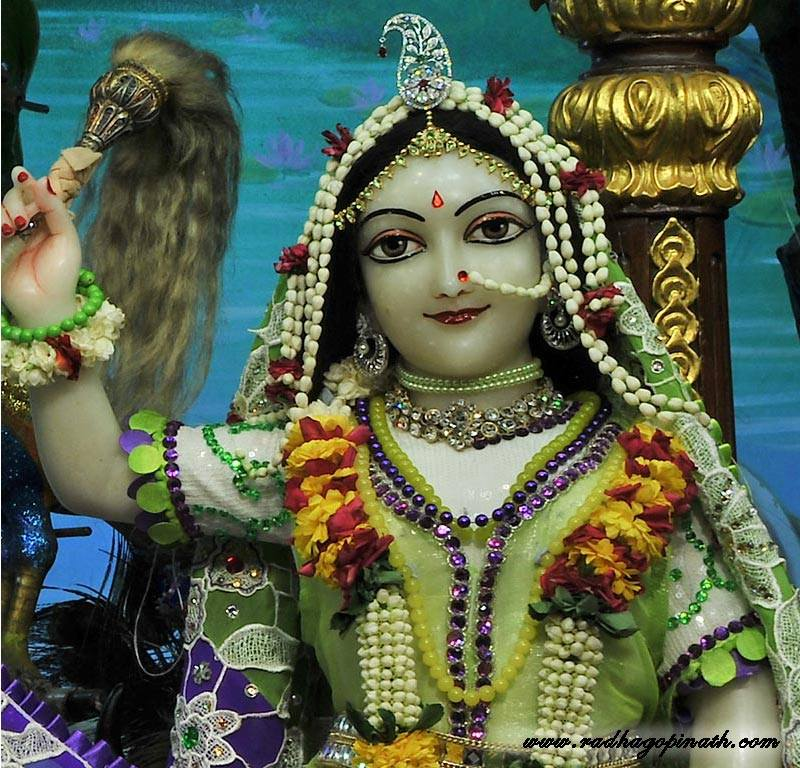 ISKCON Chowpatty Deity Darshan 08 April 2016 (11)