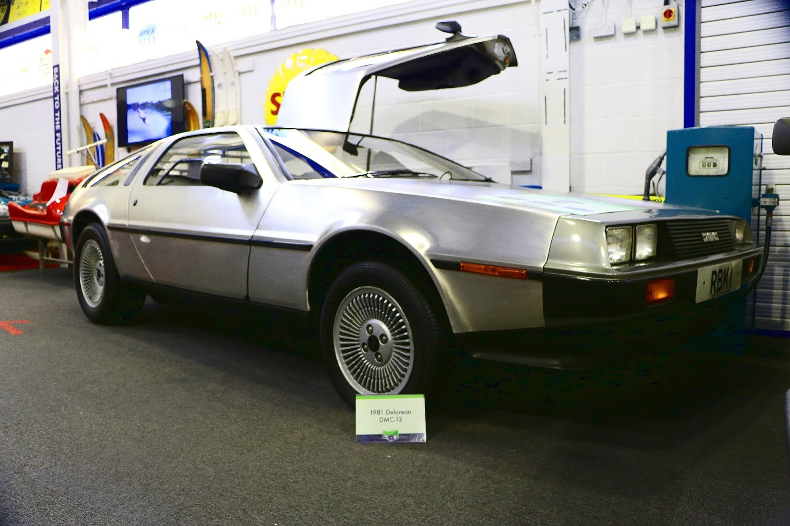 1981 Delorean DMC-12.jpg