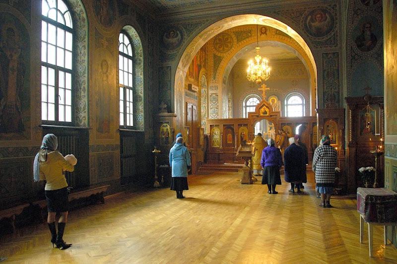 6. Service at the Church of Holy Trinity Ioninsky Monastery