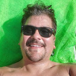 user Henry Weaver apkdeer profile image