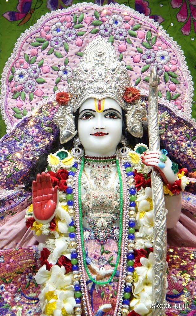 ISKCON Juhu Sringar Deity Darshan on 30th June 2016 (19)