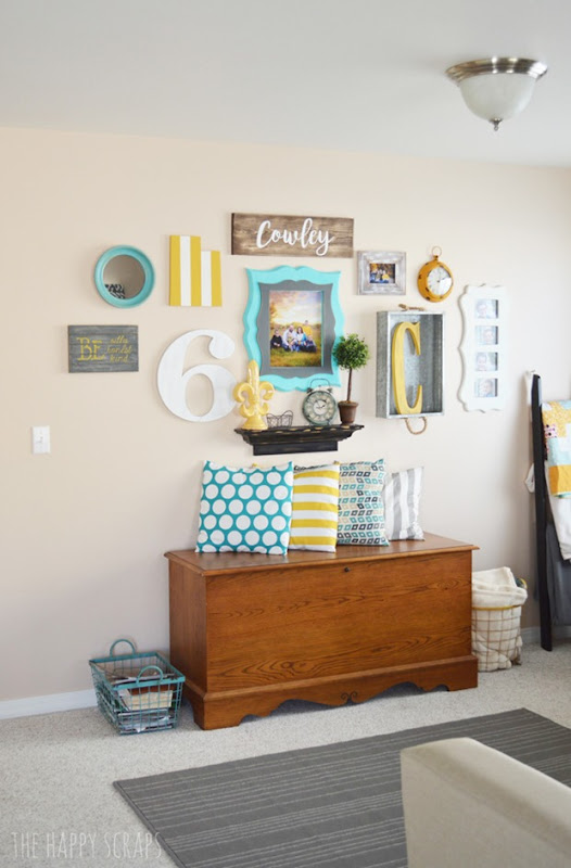 living-room-gallery-wall-3