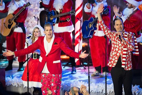 NEW YORK, NY - DECEMBER 01:  Singers Charity Daw, Mark McGrath and Michael Fitzpatrick of Band of Merrymakers are seen performing during pre-tape performance for NBC's 83rd Annual Rockefeller Center Christmas Tree Lighting Ceremony on December 1, 2015 in New York City.  (Photo by Gilbert Carrasquillo/GC Images)