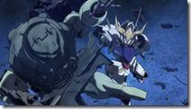 Gundam Orphans - 12 -25