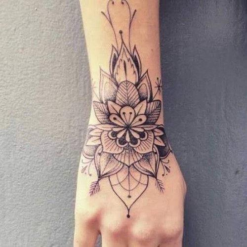 mao_tatuagens_mais_legais_projetos_do_tattoo_39