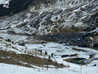 P1180250 - Calor, nieve primavera y gente, demasiada.