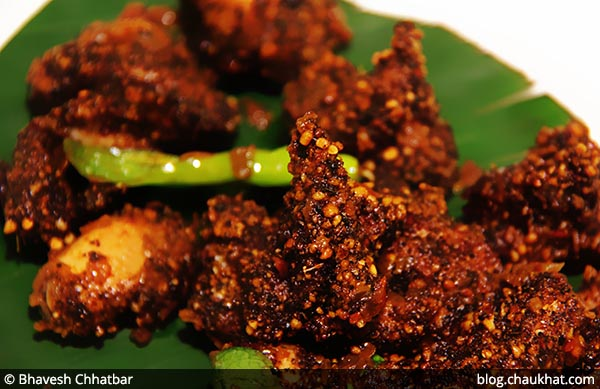 Close-up of Kozhi Podi Varuval at Savya Rasa [Koregaon Park, Pune]
