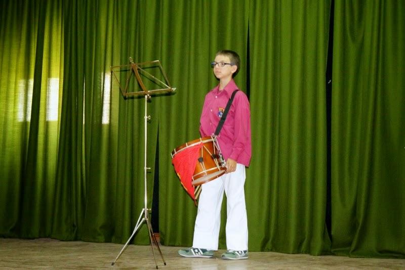 Audició Escola de Gralles i Tabals dels Castellers de Lleida a Alfés  22-06-14 - IMG_2391.JPG
