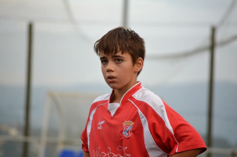 MARIO Martínez centrocampista infantil do Numancia de Ares.