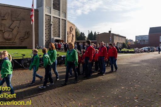 herdenkingsdienst  en een stille tocht naar het Engelse kerkhof 12-10-2014 (51).jpg