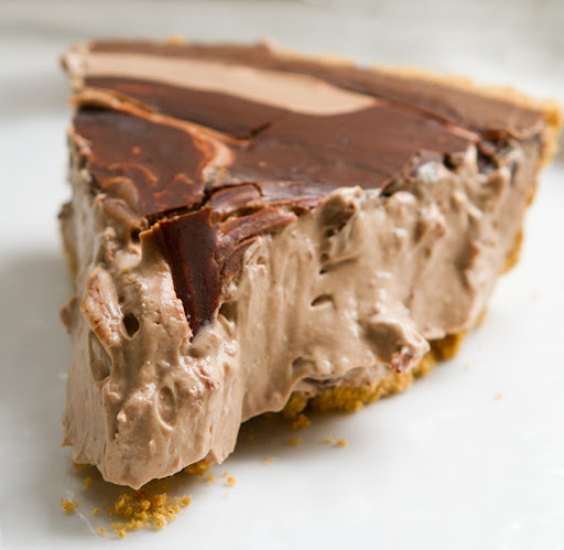 vegan-chocolate-mousse-pie