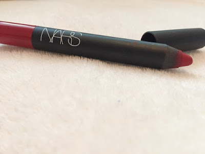 Review Nars cruella velvet matte lip pencil
