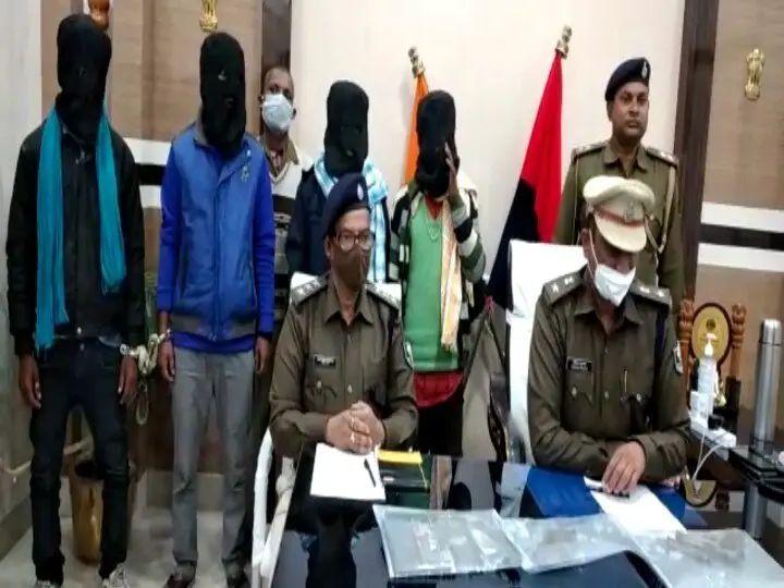 सहरसा/बिहार: पुलिस ने लुटेरा गिरोह के 4 सदस्यों को किया गिरफ्तार, कई हथियार किया बरामद