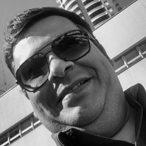 Marcio R. Laranjeira