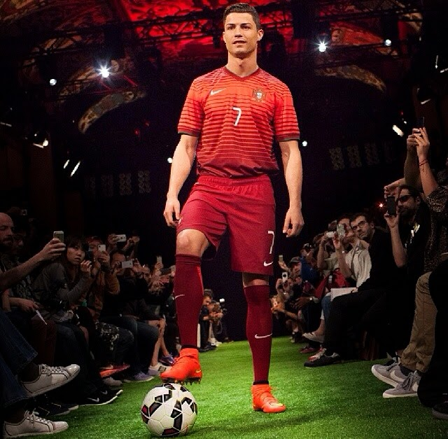 Top Footy 2 Go: Boots Of The Match: Cristiano Ronaldo And Nike Unveil  IW53