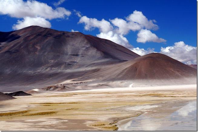 Salar de Talar e suas montanhas