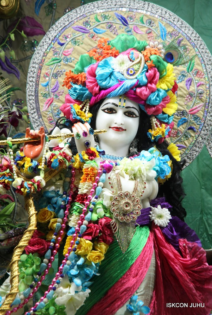 ISKCON Juhu Sringar Deity Darshan on 26th Aug 2016 (38)