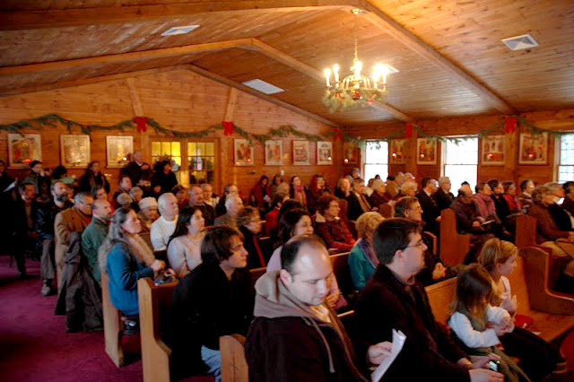 The church was filled to capacity during the concert.