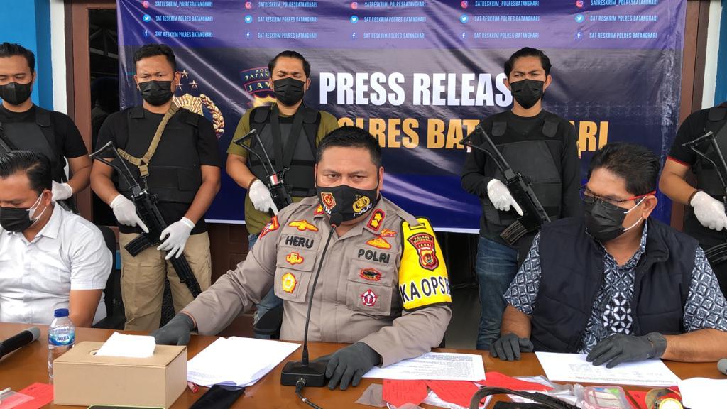 Lumpuhkan Zuhdi, Polisi Temukan BB Sabu hingga Azimat
