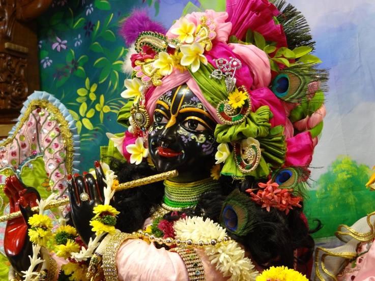 ISKCON Nigdi Deity Darshan 17 Dec 2015 (6)