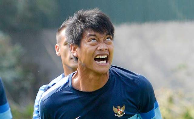 Kiper Arema FC Alami Kebutaan Misterius, Ini Kabarnya