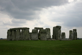 A quiet photo at Stonehenge