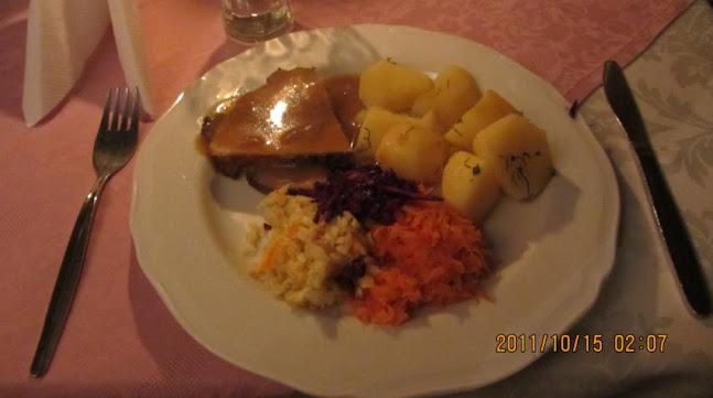 所謂的Traditional Polish dinner餐點之一,根本吃不飽Orz