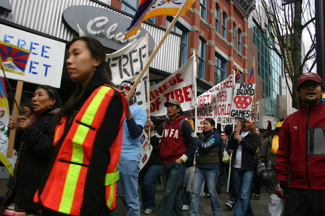 Global Protest in Vancouver BC/photo by Crazy Yak - IMG_0172.JPG