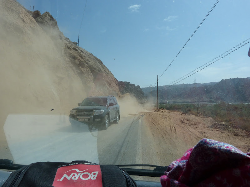 XINJIANG. Karakoram Highway, lune des plus haute route au monde, en passant a 4400 m - P1280667.JPG