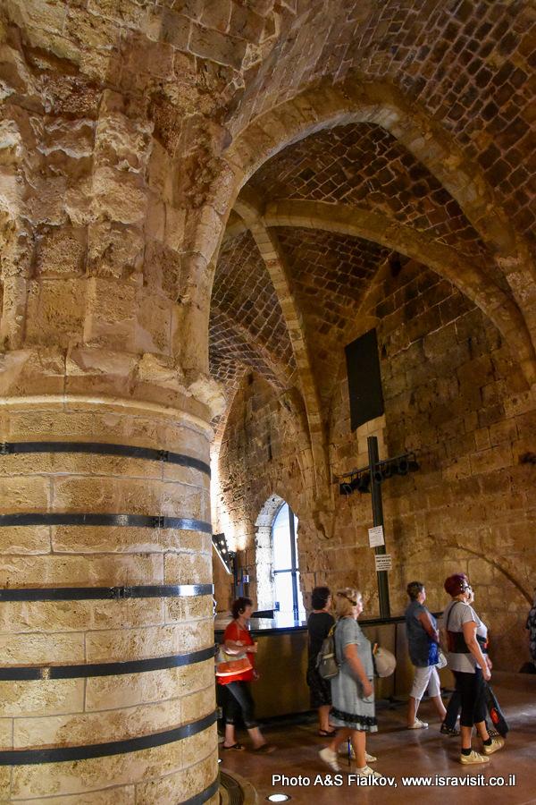 Акко, крепость крестоносцев, Колонный зал. Экскурсия в Акко Светланы Фиалковой.