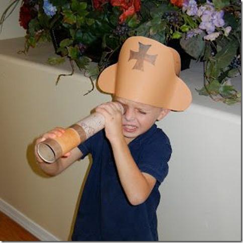 catalejo y sombrero