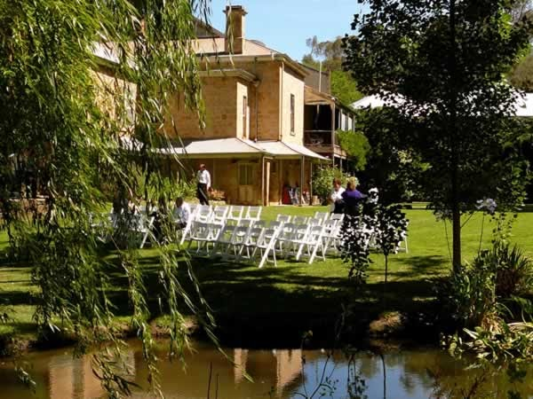 Hotels Near Adelaide