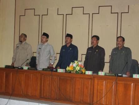 Berita foto Sinar Ngawi Hari ini tentang Rapat Paripurna Pembacaan Nota Pengantar Laporan Keterangan Pertanggungjawaban (LKPJ) Tahun anggaran 2014