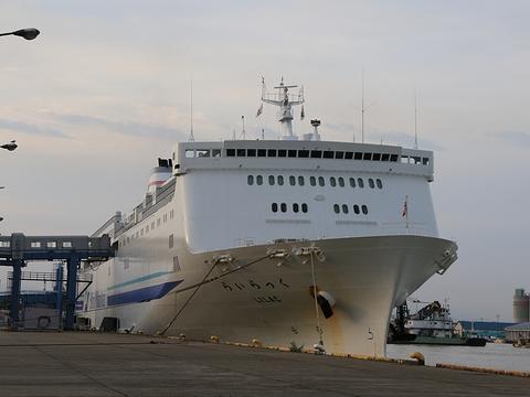 新日本海フェリー「らいらっく」 新潟港にて