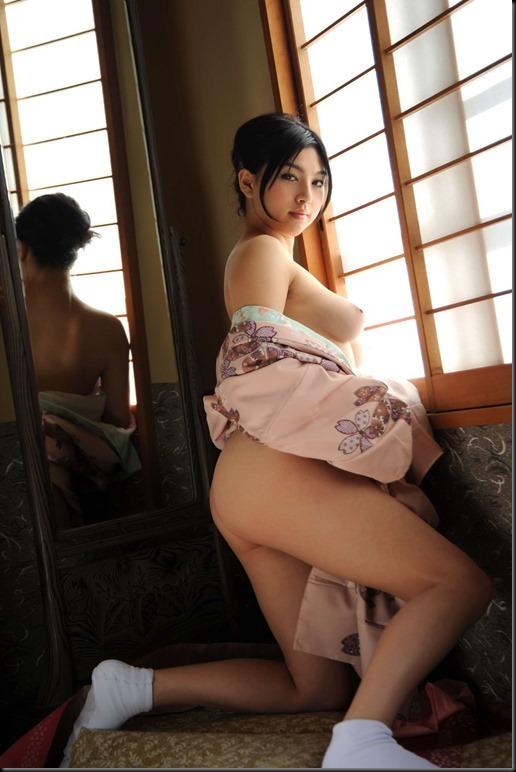 Saori Hara in Kimono_246748-0056