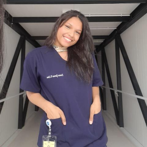 Luara Gomes picture