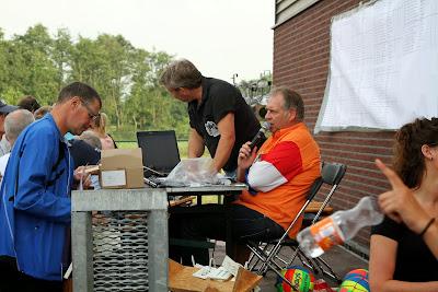 Terbroek   Volleybaltoernooi  bij  Fam Berkhof      10--7--2014
