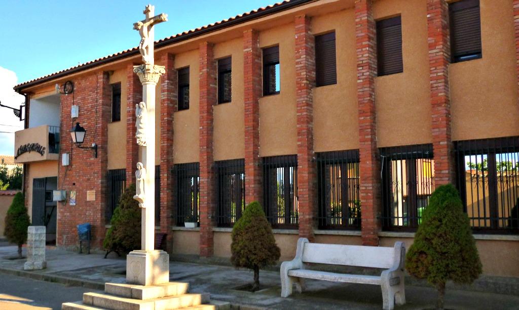 Albergue de peregrinos municipal de Calzadilla de los Hermanillos, León, Vía Trajana, Camino de Santiago