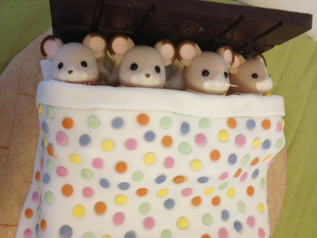 Sylvanian Families Birthday Cake Party Fielding Mice Family