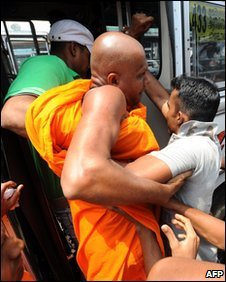 Sri Lanka Arrests Buddhist Monks Thais Riot Image
