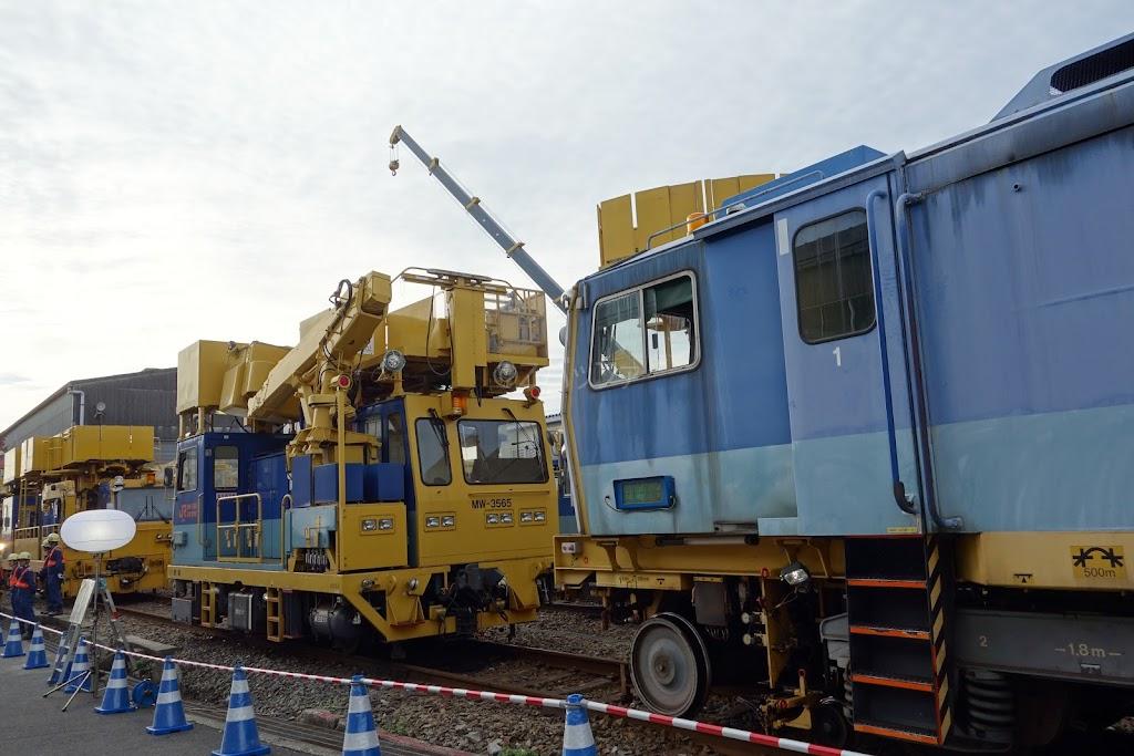 新幹線の線路保守車両たち