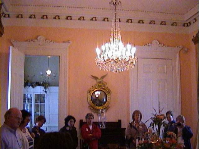 0410Inside_a_Southern_Mansion_-_New_Orleans