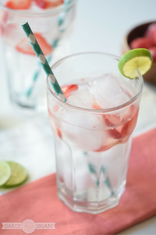Easy-Refreshing-Strawberry-Lime-Spritzer