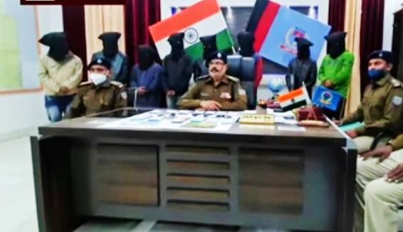देवघर: आठ साइबर अपराधी गिरफ्तार, 12 मोबाइल, 5 मोटरसाइकिल और 68 हजार रुपये नकद बरामद