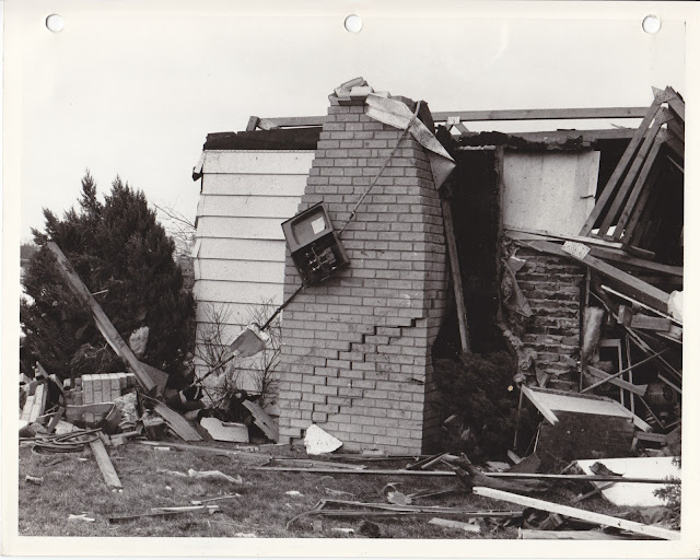 1976 Tornado photos collection - 2.tif