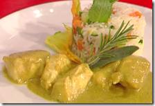 Pollo al curry e latte di cocco con riso basmati