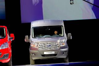 2014-Ford-Transit-02