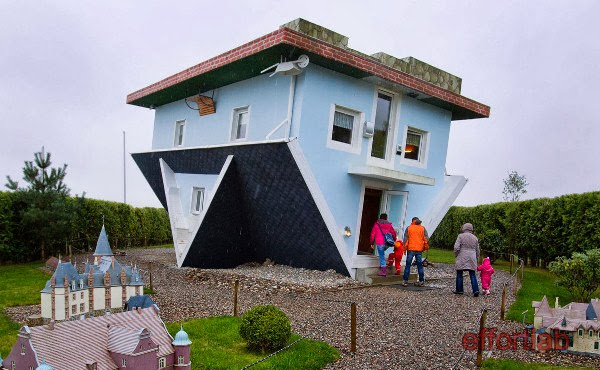 upside-down-house-trassenheide-jerman